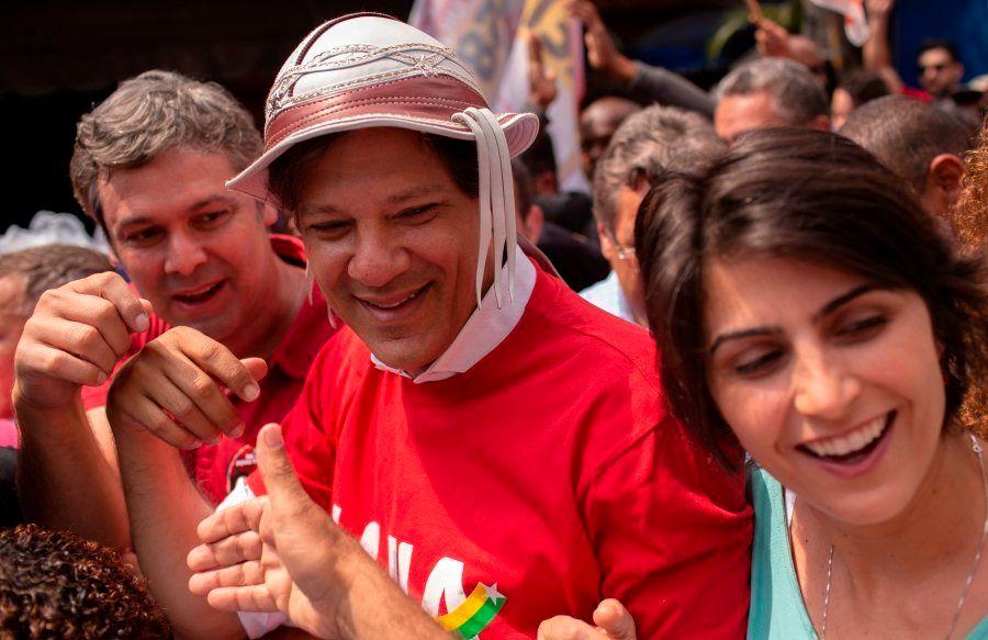 Haddad e Manuela em ato de campanha na Rocinha, no Rio de