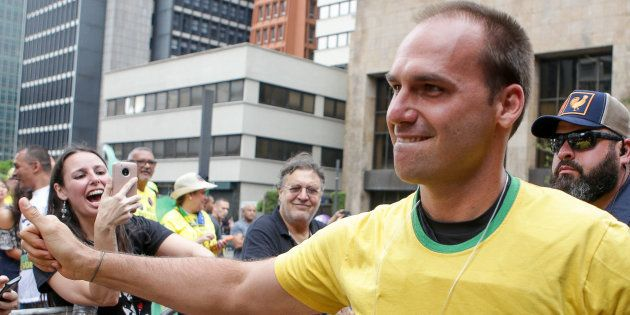 Eduardo Bolsonaro, filho de Jair Bolsonaro, em ato em São