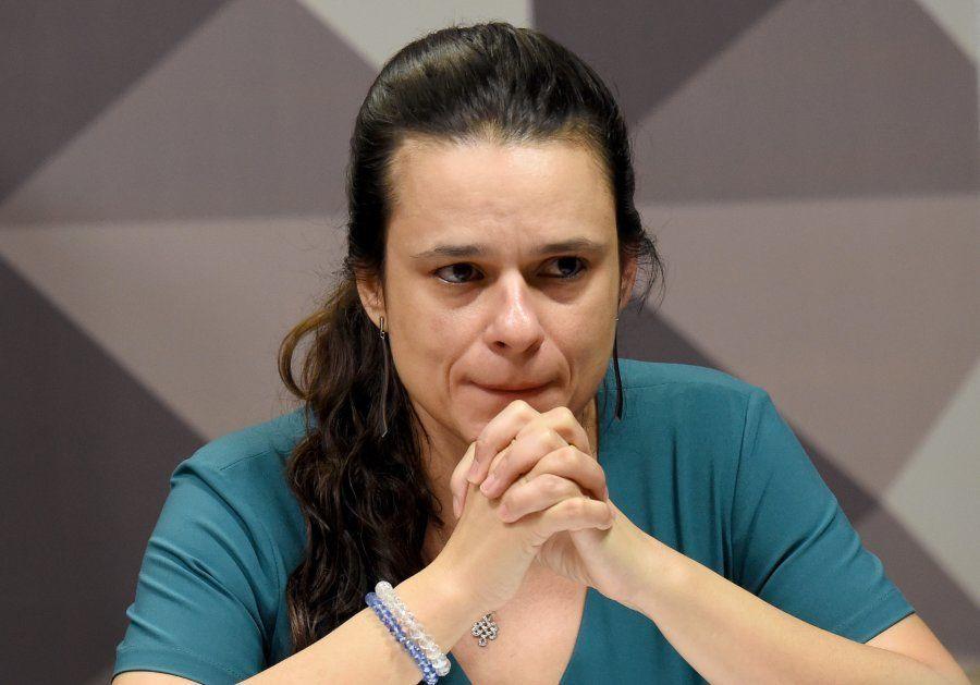 No Congresso, Janaina Paschoal defende o impeachment da então presidente
