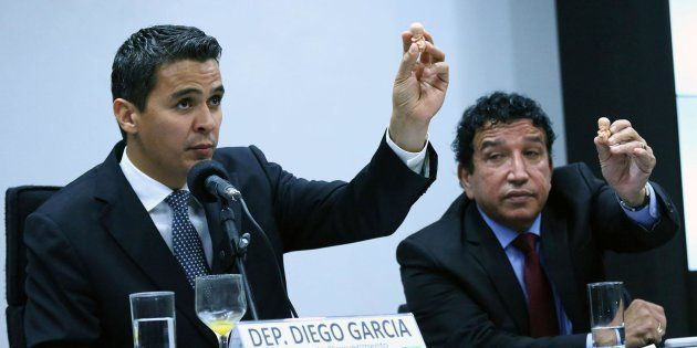 Diego Garcia (Podemos-PR), presidente da Frente Parlamentar em Defesa da Vida. O senador Magno Malta