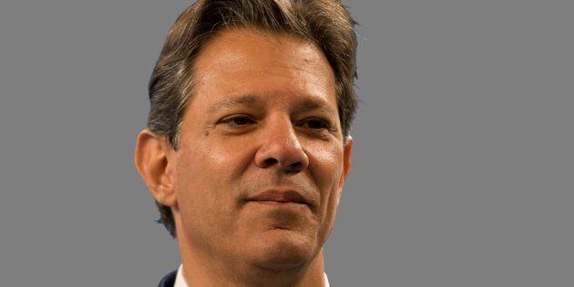 Fernando Haddad (PT) critica o adversário Jair Bolsonar (PSL) em entrevista à