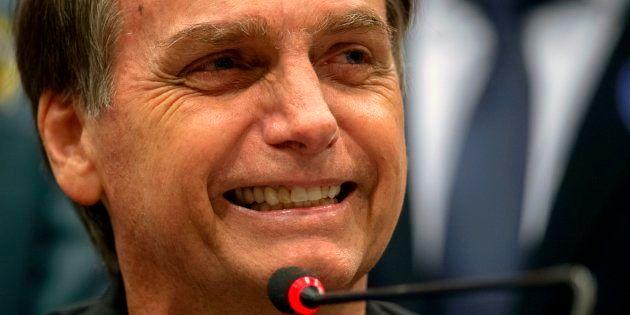 Bolsonaro admite que pode fugir de debates por