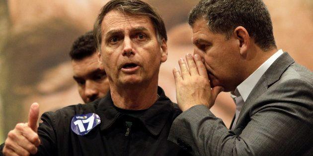 O presidente do PSL, Gustavo Bebianno, dá um recado a Jair Bolsonaro, candidato à