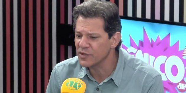 O candidato Fernando Haddad em entrevista no programa Pânico, na Jovem