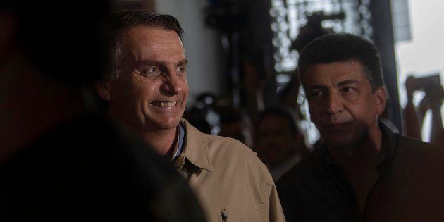 Jair Bolsonaro: 'Estamos com a mão na faixa'