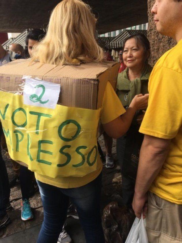Manifestantes dão apoio a Jair Bolsonaro na Avenida Paulista e pedem por voto