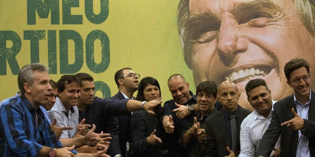 Nesta terça-feira (23), 30 integrantes da bancada da bala vão ao Rio de Janeiro para declarar apoio formal...