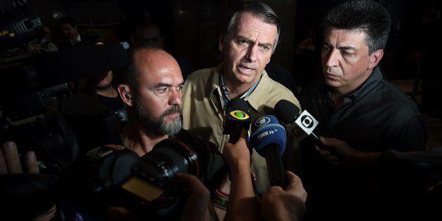 Desde que sofreu o atentado a faca em 6 de setembro, Bolsonaro reduziu drasticamente o já escasso contato...