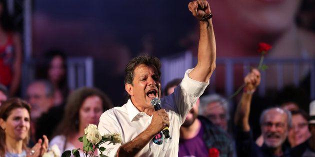 Fernando Haddad (PT) tem 43% dos votos válidos, de acordo com