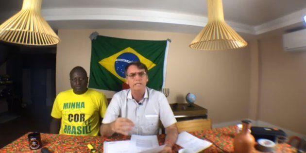 """Bolsonaro voltou a falar sobre atentado que sofreu: """"Eu não acredito em lobo solitário... Foi um negócio..."""