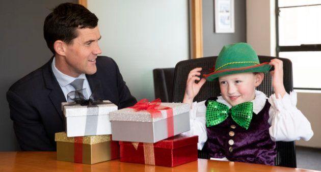Justin Lester, prefeito de Wellington, com Eddie