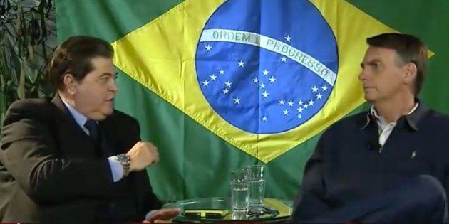 O presidente eleito Jair Bolsonaro (PSL) é entrevistado por José Luiz Datena, na