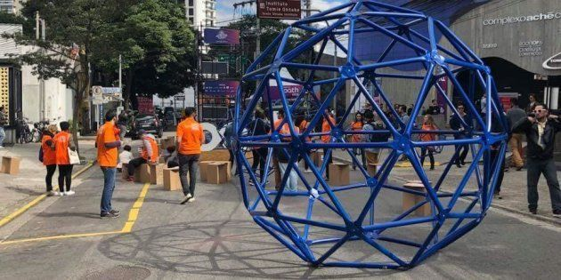 As Geodésicas Caminhantes na entrada do Festival Path, um dos maiores festivais de inovação e criatividade...