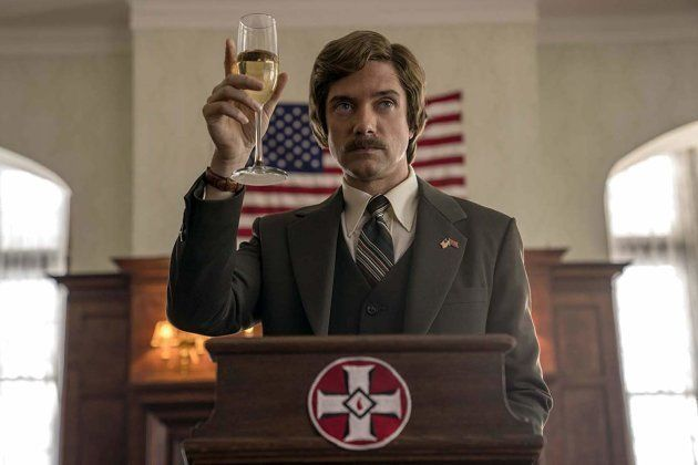 Topher Grace interpreta o ex-líder real da KKK, David
