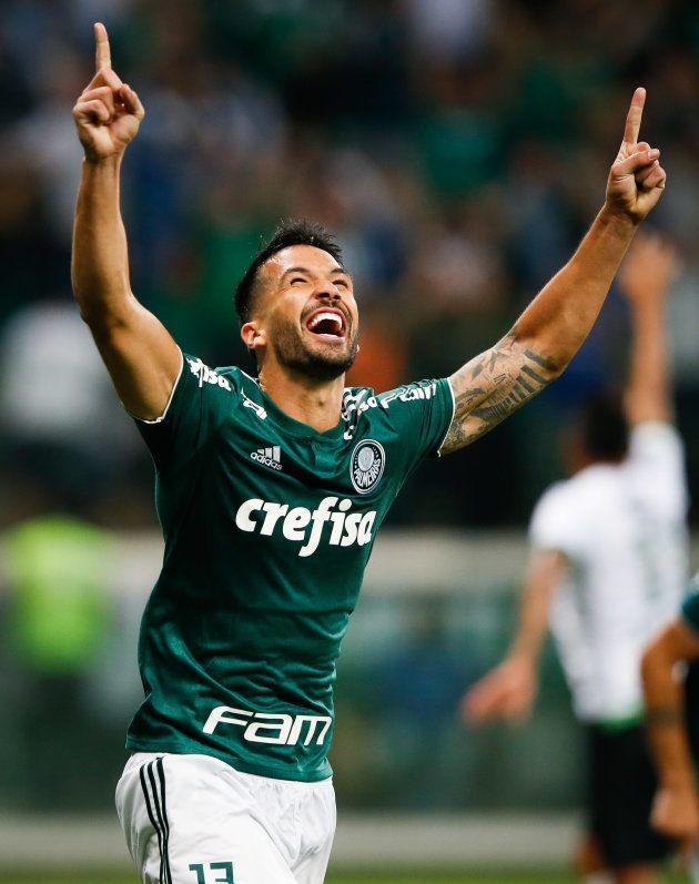 Zagueiro Luan abriu caminho para goleada do Palmeiras, mas título ainda não