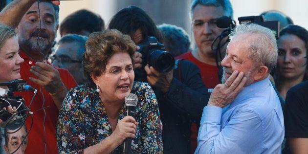 Os ex-presidentes Lula e Dilma, do PT, que foram transformados em réus pela Justiça Federal do