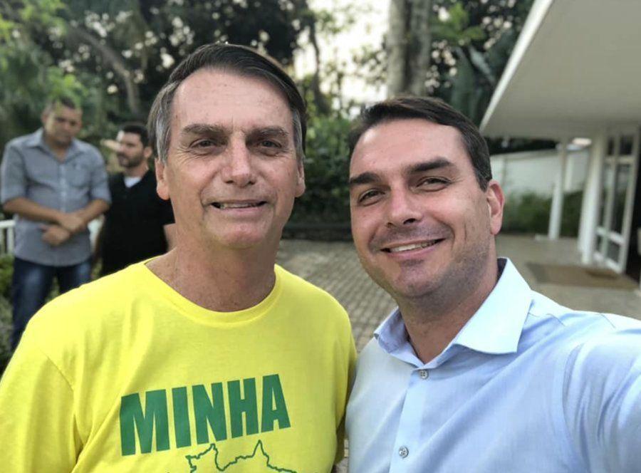 Flávio Bolsonaro é considerado o menos bélico dos 3 filhos políticos do presidente
