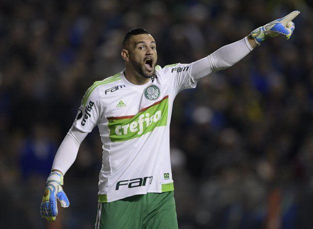 Weverton era terceiro goleiro até a chegada de Felipão, mas virou titular com o