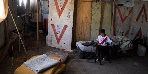 No último ano, o número de pobres cresceu 11% em um ano, atingindo 15 milhões de brasileiros (7,2% da