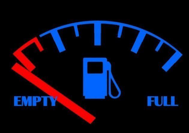 Deixar o carro com pouco combustível pode prejudicar a transmissão