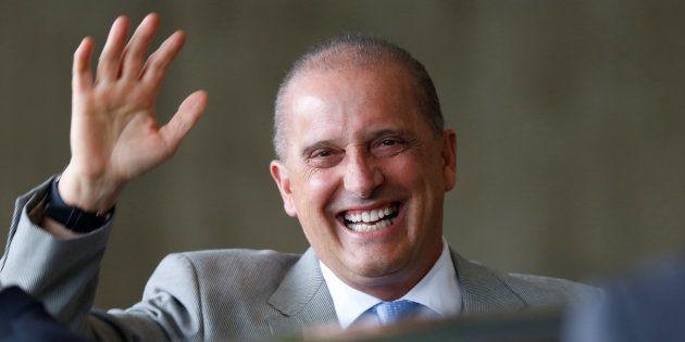No governo Bolsonaro, a principal função do ministro Onyx Lorenzoni, que comandará a Casa Civil, será...