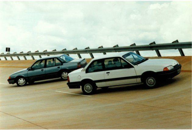 Sedan foi lançado com 2 e 4 portas em