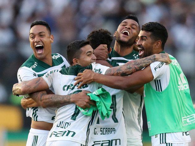 Palmeiras entra em campo para fazer festa com a torcida no Allianz