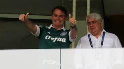 Bolsonaro acompanha festa do campeão Palmeiras em despedida do