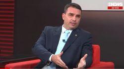Flávio Bolsonaro diz que pai foi eleito para colocar militar no