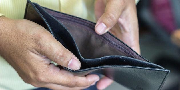 Crise financeira atinge diversas unidades da