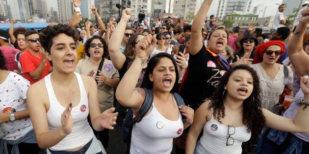 Mulheres participam de protestam contra Jair Bolsonaro antes do 1ºturno da