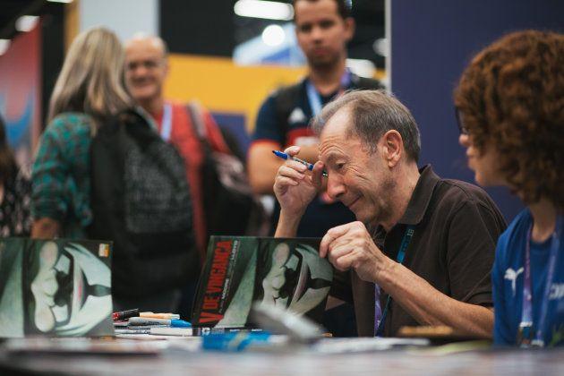 O desenhista David Lloyd, autor, junto com Alan Moore, da clássica HQ