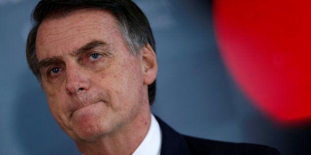 A explicação de Bolsonaro sobre o cheque repassado pelo ex-assessor do