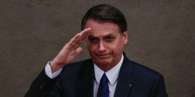 De acordo com o estudo, 14% acham que Bolsonaro está no caminho errado e 11% não sabem ou não responderam...