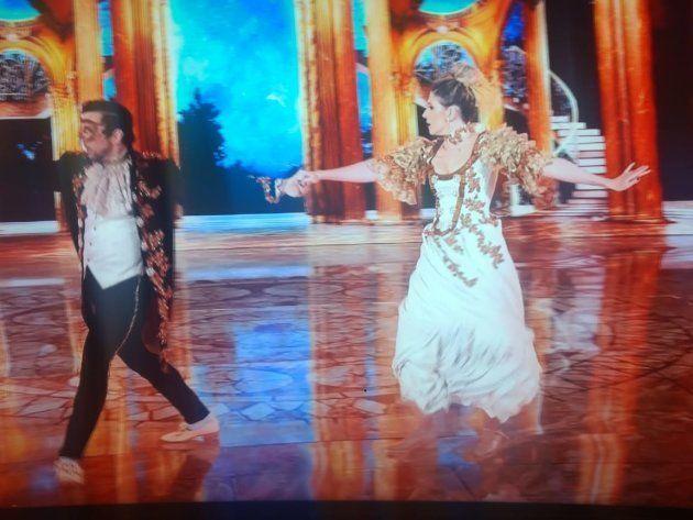 Dani Calabresa dança valsa na final da Dança dos