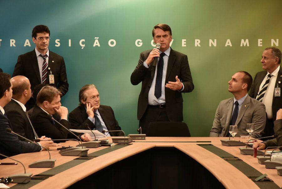 Bolsonaro lidera reunião com bancada do PSL no governo de