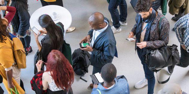 IBGE: Brasileiros estão cada vez mais conectados pelo