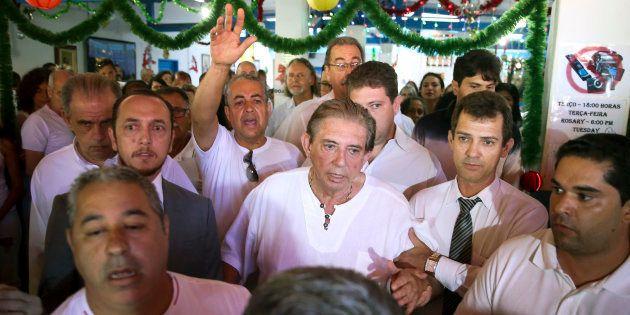 Caso será enviado ao Ministério Público, que decidirá se denuncia João de Deus (ao centro) à
