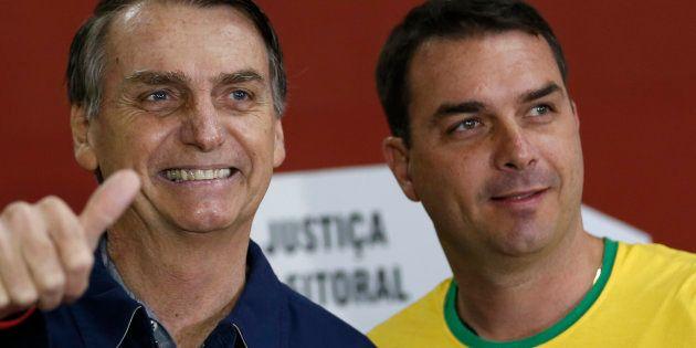 """Advogado informou que Queiroz """"precisou ser internado na data de hoje para realização de procedimento..."""