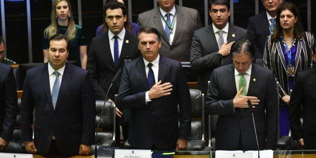 No juramento, o presidente Jair Bolsonaro e o vice, general Hamilton Mourão, prometeram honrar a Constituição...