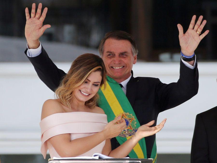 Michelle Bolsonaro também foi bastante aplaudida na cerimônia de posse do novo presidente da