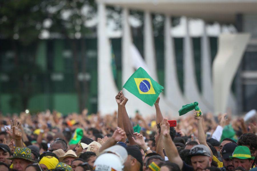Presença maciça de apoiadores marcou posse de Jair Bolsonaro nesta terça-feira
