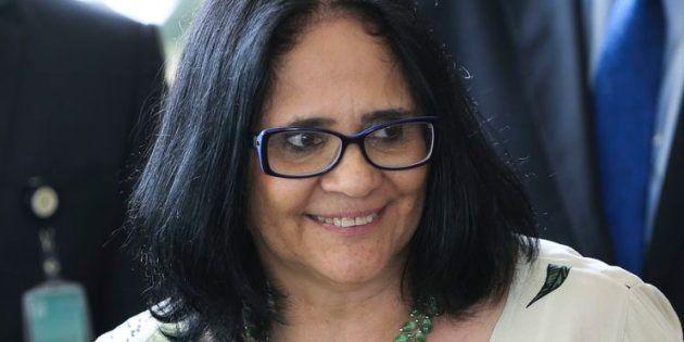 Ministra da Mulher defende vida desde a concepção ao assumir o