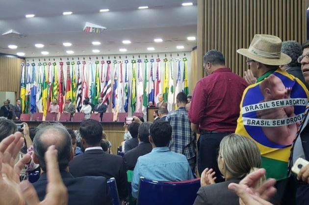 Entre os presentes na cerimônia de Damares Alves, ministra da Mulher, Família e Direitos Humanos, alguns...
