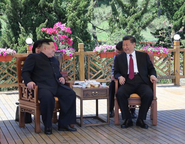 사진은 2018년 5월 중국을 방문한 김정은 북한 국무위원장이 다롄에서 시진핑 중국 국가주석과 회담하는