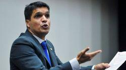 PSOL expulsa deputado que tenta trocar o povo por Deus na
