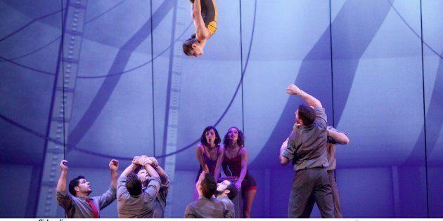 Esse circo trata da poesia, do amor, da energia e da