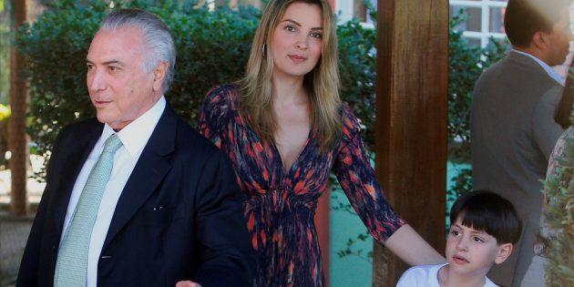Presidente Michel Temer, com primeira-dama Marcela Temer e o filho do casal,