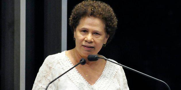 Senadora Regina Sousa (PT-PI) fala na tribuna do Plenário da