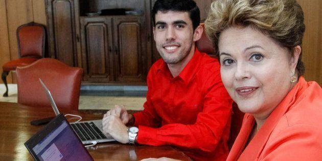 Jefferson Moreiro, criador da personagem Dilma Bolada, com a ex-presidente Dilma